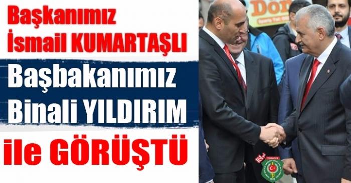 Kumartaşlı Başbakan Binali Yıldırım'ı Afyonkrahisar Belediye'si Önünde Karşıladı
