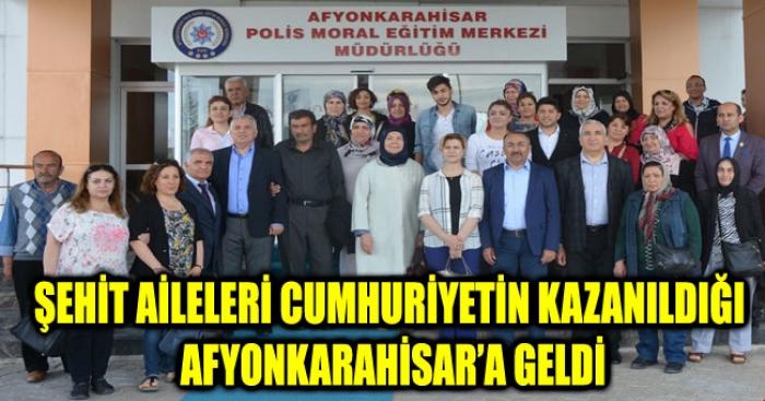 ŞEHİT AİLELERİ CUMHURİYETİN KAZANILDIĞI TOPRAKLARA  GELDİ.