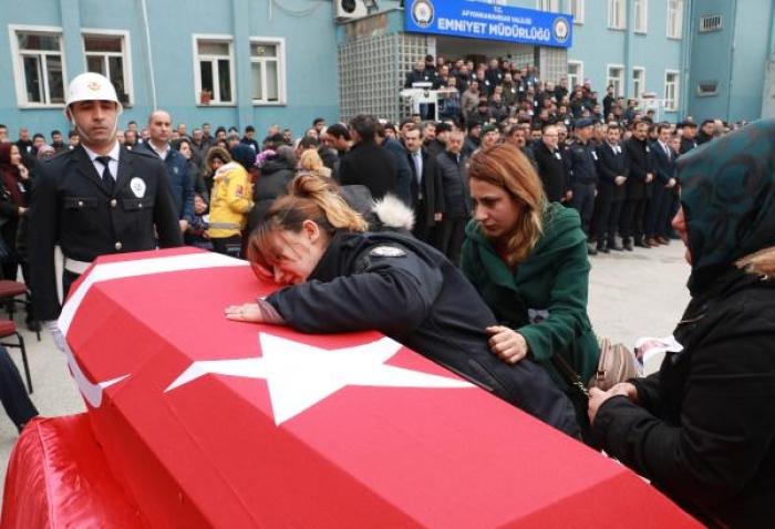 GENÇ POLİS MEMURU SON YOLCULUĞUNA UĞURLANDI